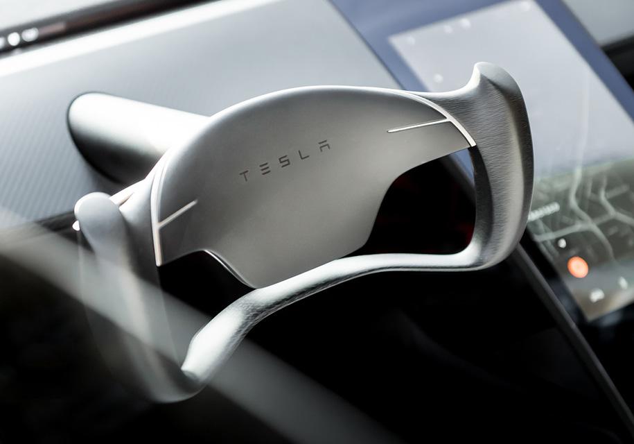 Возрождение модели Roadster глава Tesla Илон Маск подтвердил в 2016 году