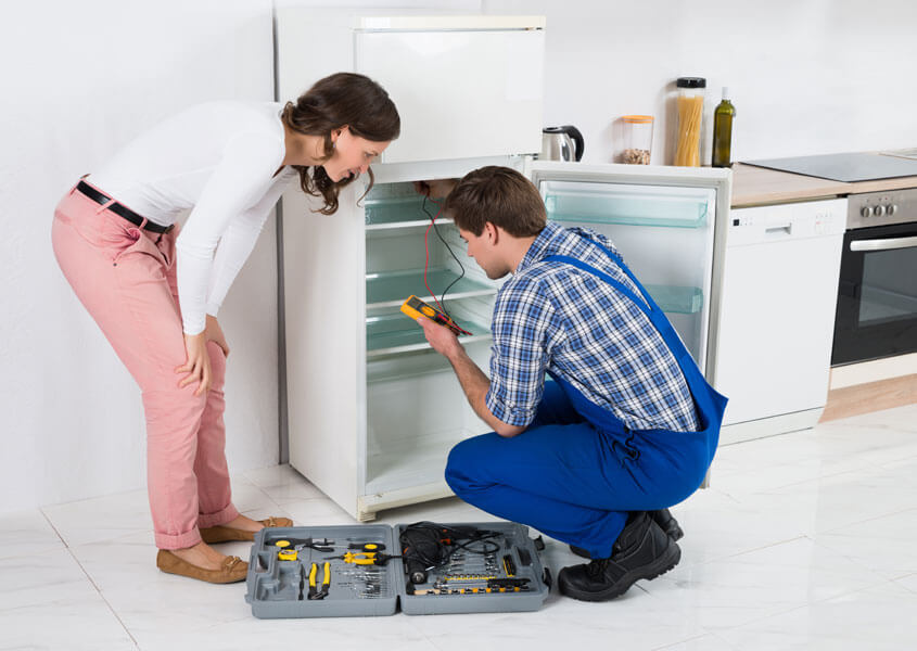 В каких случаях нужен ремонт холодильника?
