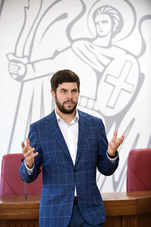 Константин Яловой