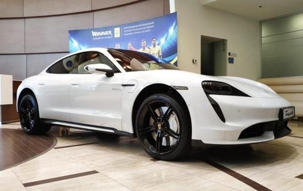 В Украине раскупили электромобили Porsche еще до презентации